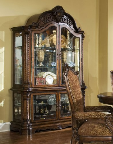 Windsor Curio (AICO Windsor Court Curio Cabinet by Michael)
