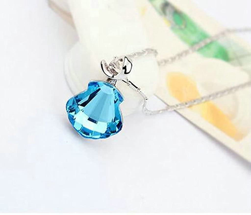 AMDXD Jewelry Alloy Pendant Necklaces for Women Scallop 3.2X1.7CM