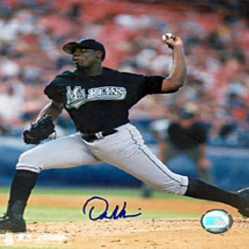 Dontrelle Willis Autographed / Signed Florida Marlins Baseball 8x10 Photo