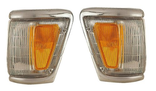TOYOTA PICK UP 4WD PAIR PARK/CLEARANCE 92-95 NEW HOT!