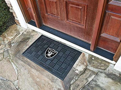 Team Fan Gear Fanmats Oakland Raiders Medallion Door Mat Size=19