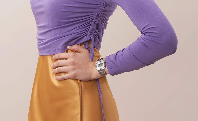 Casio Collection digital klocka för kvinnor med rostfritt stålrem silver