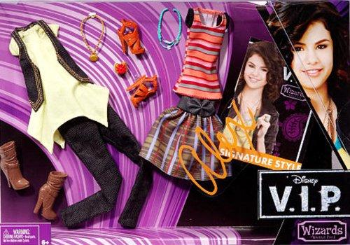 Disney V.I.P. Alex Russo Fashion And Accessory Pack