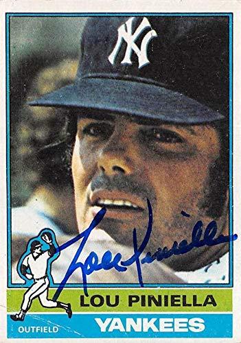 Lou Piniella autographed baseball card (New York Yankees) 1976 Topps #453 - Baseball Slabbed Autographed Cards ()