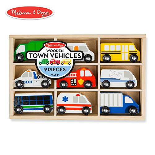 Melissa & Doug Wooden Town Vehicles Set in Wooden Tray (9 pcs) ()