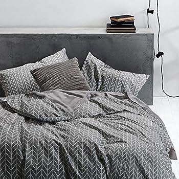 Wake In Cloud - Gray Chevron Duvet Cover Set, 100% Cotton Bedding, Zig Zag Geometric Modern Pattern Printed on Grey, with Zipper Closure (3pcs, King Size)