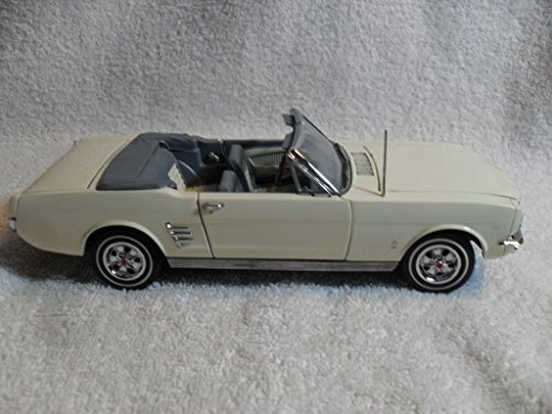 Danbury Mint 1966 Ford Mustang Convertible 1:24 Scale Die Cast Metal Model - Stores Danbury