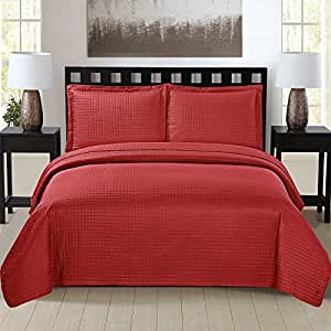 3-Piece Oversized Quilt Set with Pillow Sham, Lightweight, Hypoallergenic, Soft Brushed Microfiber, Machine Washable All-Season Bedding Collection (King, Burgundy)