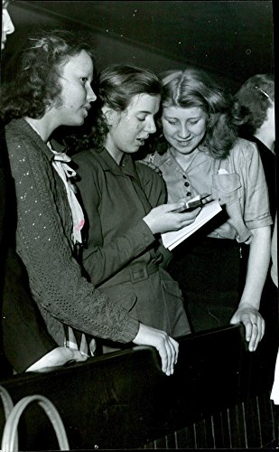 Vintage photo of Pin Youth Parliament39;s young participants. - 31 January 1949