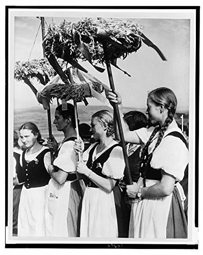 Photo: German Women wearing traditional dress,1935,Erntedankfest,Harvest Thanksgiving