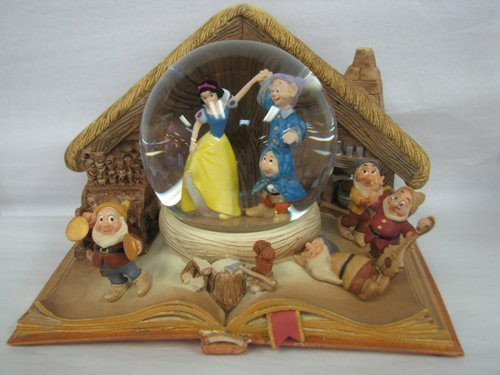 Hallmark Disney Collection CLX2004 Snow White Water ()