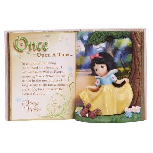 Precious Moments Disney Showcase Collection, Storybook Snow White, Resin Figurine, 134406 ()