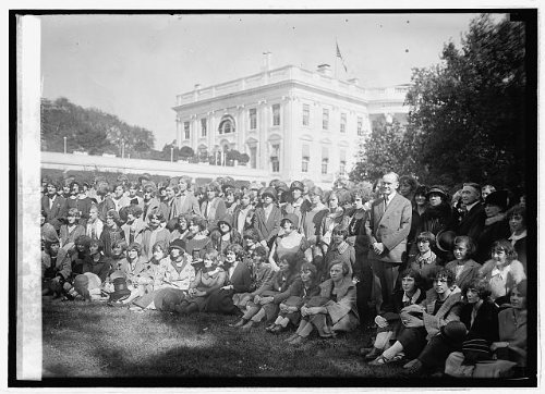 1924 October 11. Photo Coolidge with high school girls from Trenton N.J., 10/11/24
