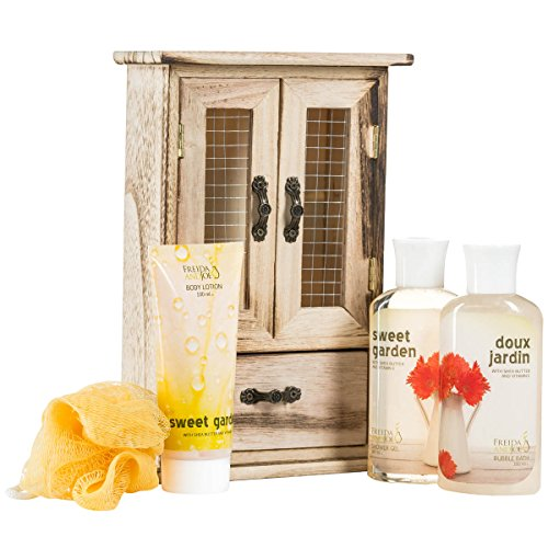 Mothers Day Floral Spring Spa Gerber Daisy Flower Sweet Garden -Bath and Body Spa Set- Display in Glamorous Natural Wood Curio- Including Shower Gel, Bubble Bath, Body Lotion, Puff