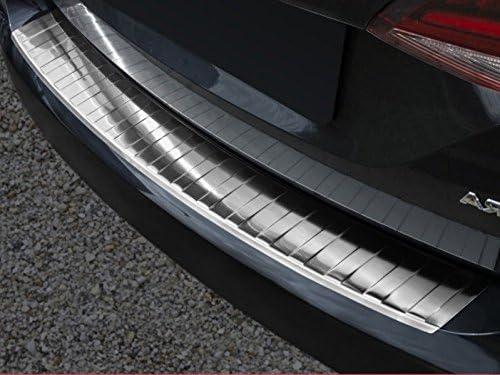 Fahrzeugspezifischer Ladekantenschutz aus Edelstahl mit 3D Abkantung