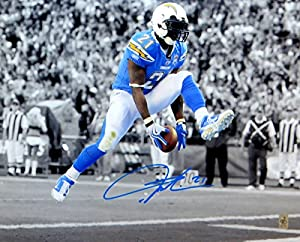 LaDainian Tomlinson Signed Autographed 16X20 Photo Chargers Ball in Legs w/COA