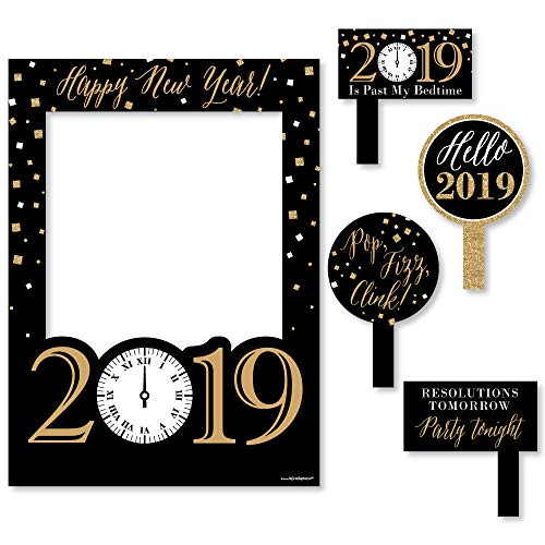 Big Dot of Happiness New Years Eve - Gold - 2019 New Years Eve Party Selfie Photo Booth Picture Frame & Props - Printed on Sturdy Material