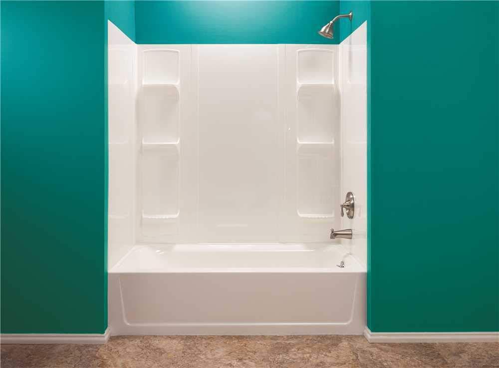 1.Thermoplastic Bathtub Wall Kit