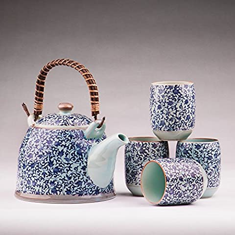 Contemporary Chinese and Japanese Oriental Blue Floral Four-cups Porcelain Tea Set with Stainless Infuser Basket and Removable Bamboo Handle