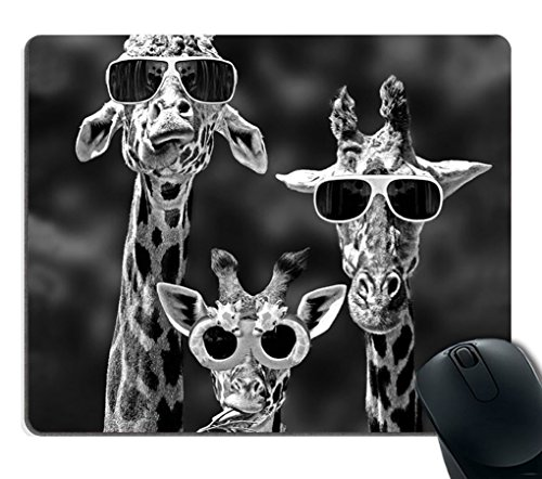 Smooffly Mouse Pad Personalized Giraffe, Customized Rectangle Non-Slip Rubber,Funy Giraffe Wearing Sunglasses Gaming Mouse Pad