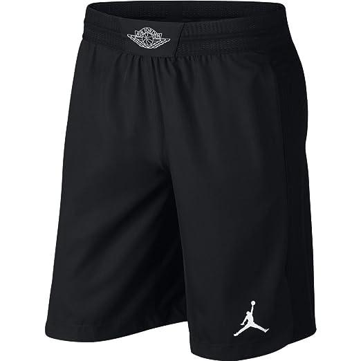 e4bce0f9ee6c Amazon.com  Nike Jordan Men s Ultimate Flight Basketball Shorts ...
