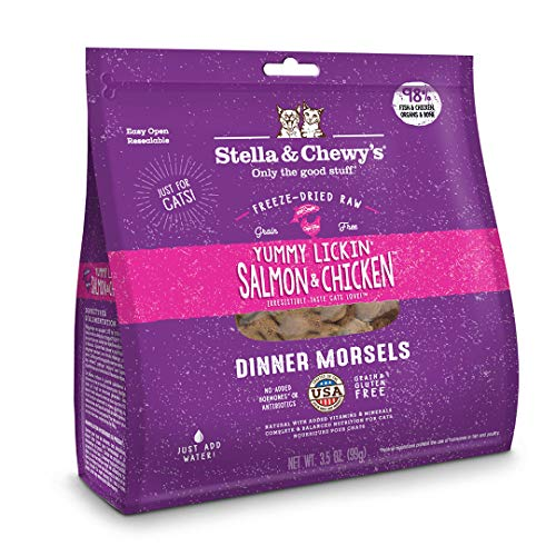 Stella & ChewyS Freeze-Dried Raw Yummy Lickin Salmon & Chicken Dinner Morsels Grain-Free Cat Food, 3.5 Oz