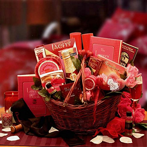 Heart To Heart Couples Romance Gift Basket (Gift Basket Champagne)