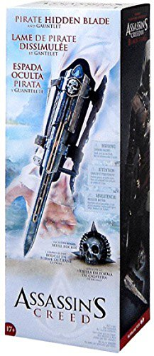 McFarlane Toys Assassin's Creed IV: Black Flag Hidden Blade & Gauntlet with Skull Buckle ()