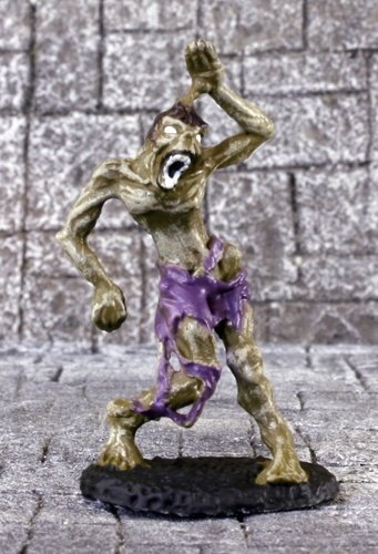 (Asylum by Reaper pre painted miniatures: Zombie)