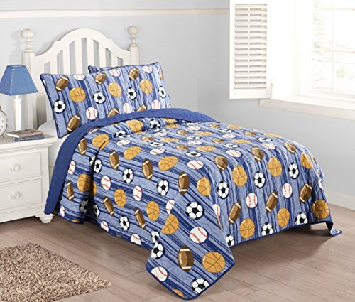 (Kute Kids 2-3 Piece Quilt Set Including Sham(s) - Available in Twin and Full Size - Perfect for Toddlers and Boys - Baseball, Football, Soccer and Basketball Design (Blue, Twin))