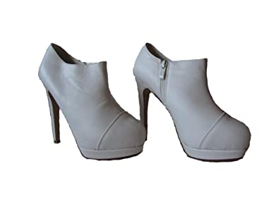 Belly-46 Womens Patent Leatherette High Heel Event Booties White