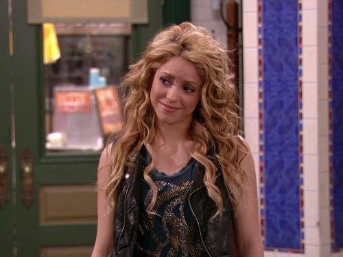 Dude Looks Like Shakira - Like Shakira A Look