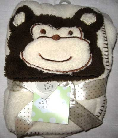 Layettes Two Piece - 2 Carlas Layette 2 Piece Cap and Blanket Set