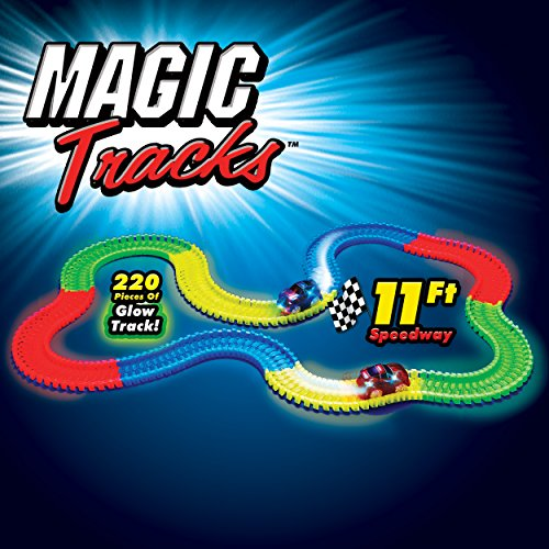 Magic Tracks Race Track (Random Car Color)