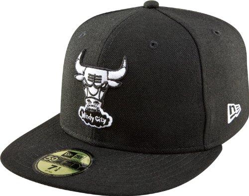 01786eb2fc2ff Amazon.com   NBA Chicago Bulls Hardwood Classics Basic Black and White  59Fifty Cap   Sports Fan Baseball Caps   Clothing