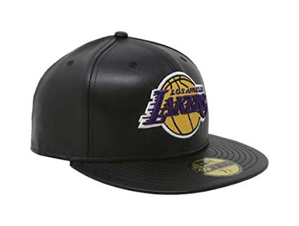 b136eb73eb6 New Era 59Fifty Hat Los Angeles Lakers Black Fitted Cap 70344054 (8 1 4)   Amazon.ca  Clothing   Accessories