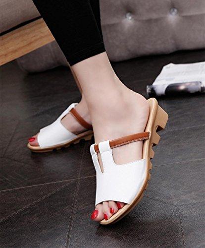 Sommer-Sandalen und Pantoffeln Hang mit weiblichen Studenten Pantoffeln lässig Wort White
