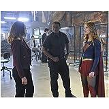 Supergirl (TV Series 2015 - ) 8 Inch x10 Inch Photo David Harewood in All Black Between Melissa Benoist & Tawny Cypress kn