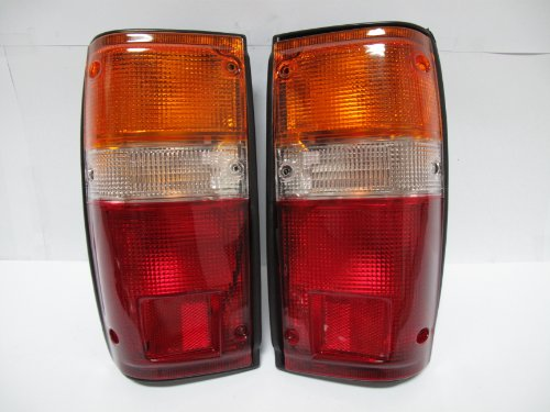 1 Pair Toyota Pick up Pickup Truck 84-88 Tail Lights Lamps Lamp 85 86 87 New L H