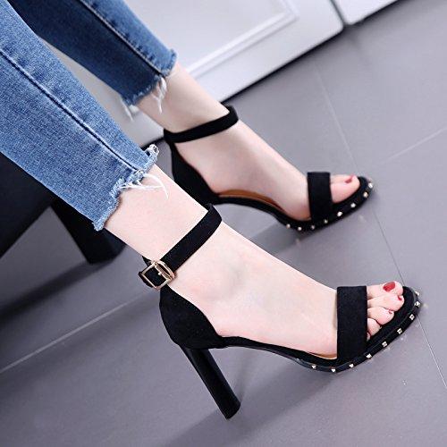 Sandalias de tacón gruesas mujeres del ante del remache del dedo del pie de la hebilla del talón del talón Negro Black