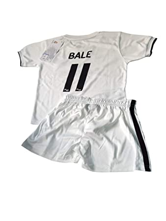 751597be95b T-shirt and pants set 1st kit Real Madrid 2018-2019 - Replica with a ...