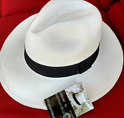 (Genuine Montecristi Panama hat 100 % handcrafted with natural fiber)