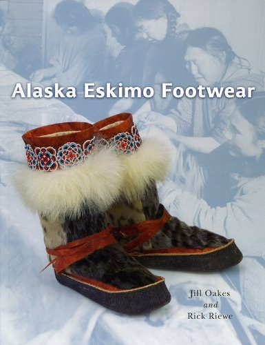 By Jill Oakes Alaska Eskimo Footwear (1st First Edition) [Paperback] -