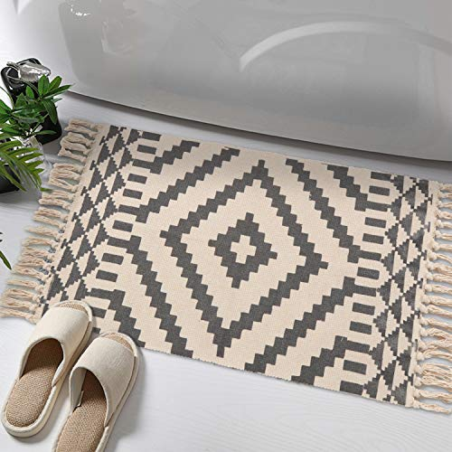 Moroccan Cotton Area Rug, KIMODE Hand Woven Cream and Black Chic Diamond Print Tassels Throw Rugs Door Mat with Non-Slip Pads,Indoor Area Rugs for Bathroom,Bedroom,Living Room,Laundry Room,1.6' x 2.6'