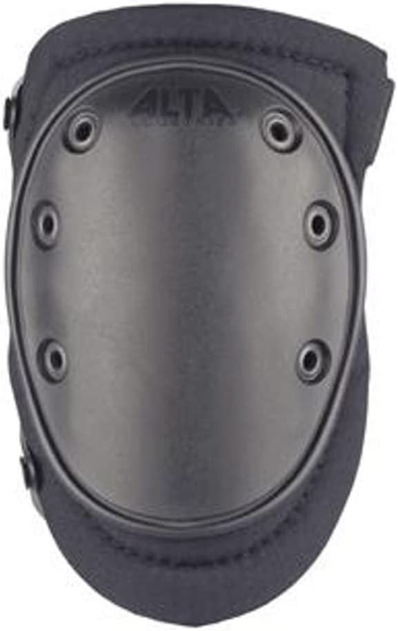 Image of a black tactical knee pad with ALTA word on the upper part.