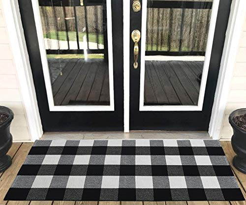 Levinis Buffalo Plaid Rug Outdoor - Retro Farmhouse Tartan Checkered Plaid Rug Black and White Hand-Woven Washable Floor Rugs for Kitchen/Bathroom/Entry Way/Laundry Room, 23.6'' x 51.2'' (Rug Modern Outdoor)