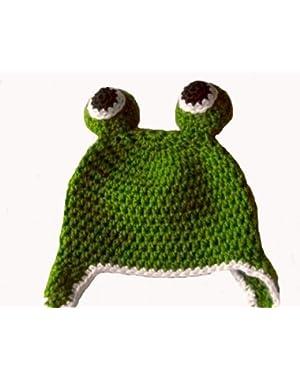 Handmade Froggie Beanie in Green & White / Hat Size 4T-5T