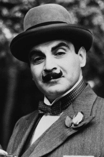 Moviestore David Suchet als Hercule Poirot in Poirot 91x60cm Schwarzweiß -Posterdruck