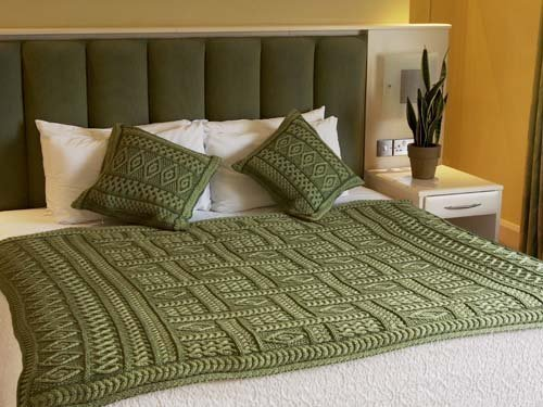 100% Irish Merino Wool Aran Plated Throw 2 Tone (Celtic Green Two Tone)