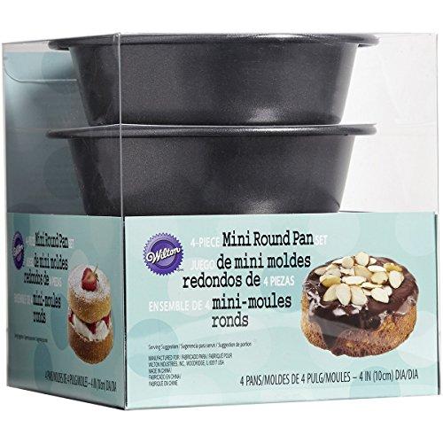Wilton Round Pans in Pet Box, Mini (4 Inch Round Cake Pan)